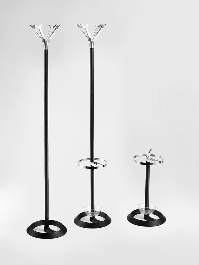 Battista, Appendiabiti a terra, base in ghisa, struttura in alluminio e acciaio