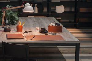 Brando 5pz, Elegante collezione di accessori per scrivania in cuoio rigenerato