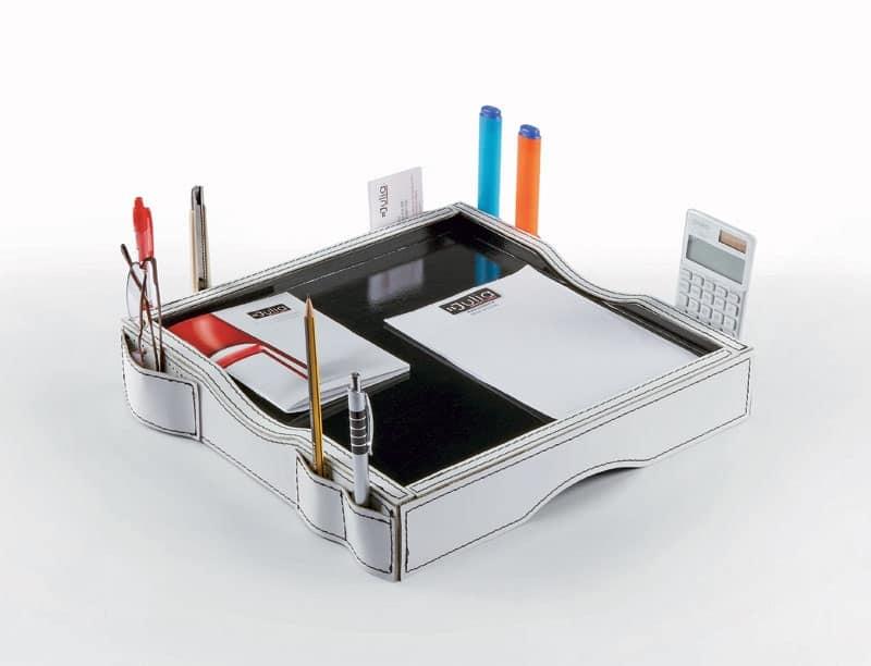 Porta oggetti in cuoio e legno laccato per uffici idfdesign for Accessori scrivania design