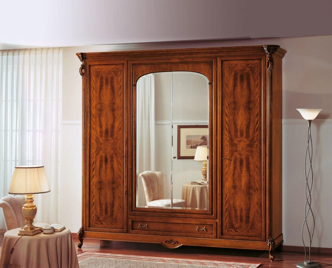 Armadio in noce con specchio ideale per camere classiche - Specchio per armadio ...