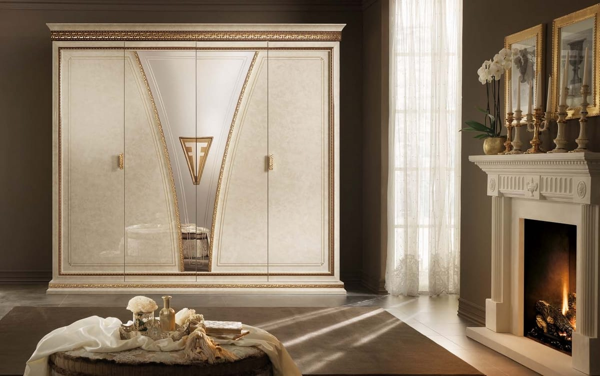 Fantasia armadio, Armadio lussuoso, in stile neoclassico