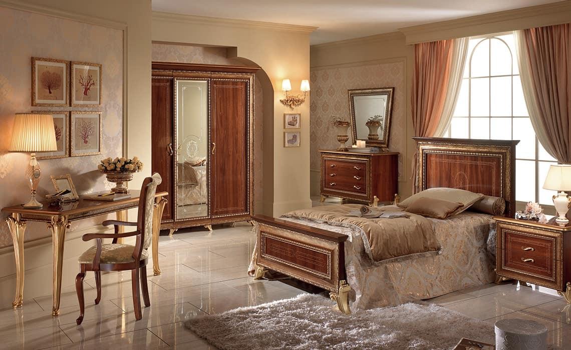 Giotto armadio piccolo, Armadio classico in noce con 3 ante e specchio centrale