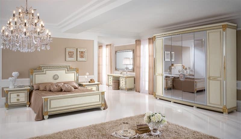 Armadio guardaroba stile classico con decorazioni artigianali idfdesign - Camera da letto grande ...
