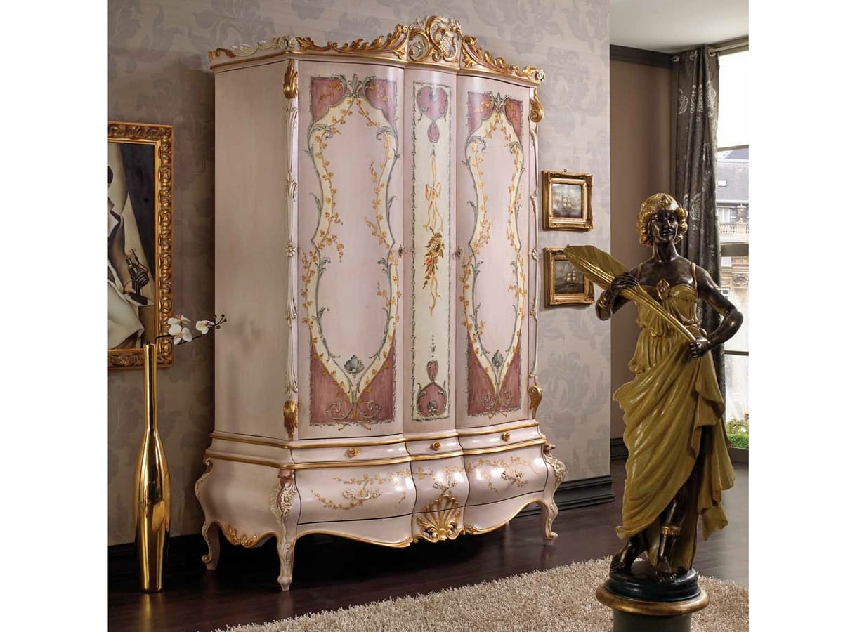 Marie Claire armadio, Armadio con ante decorate a mano