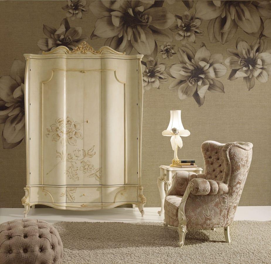 Signoria armadio, Armadio in stile classico, con decoro floreale