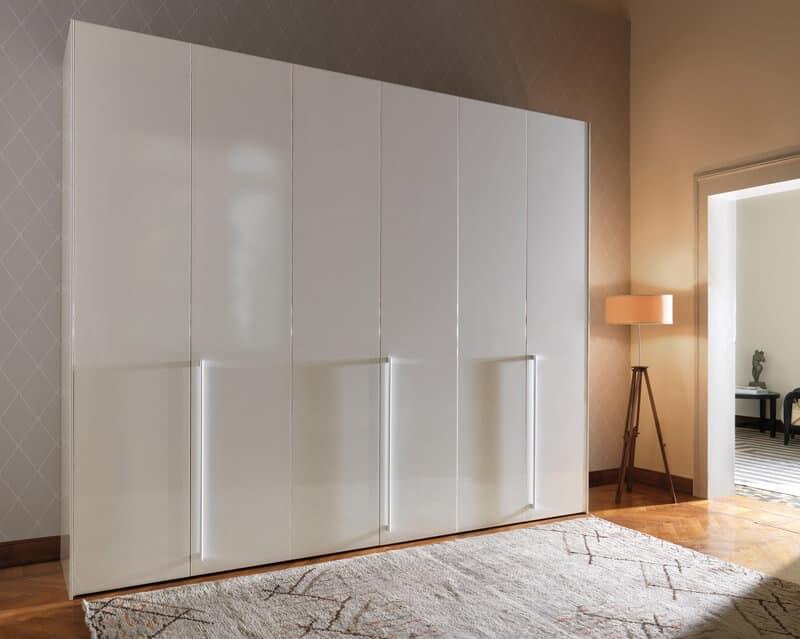 Armadio Laccato Bianco : Armadio ad ante battenti laccato bianco per camere da