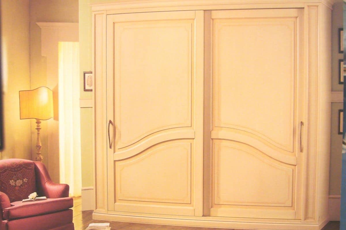 Layert, Armadio con ante scorrevoli, per alberghi di lusso