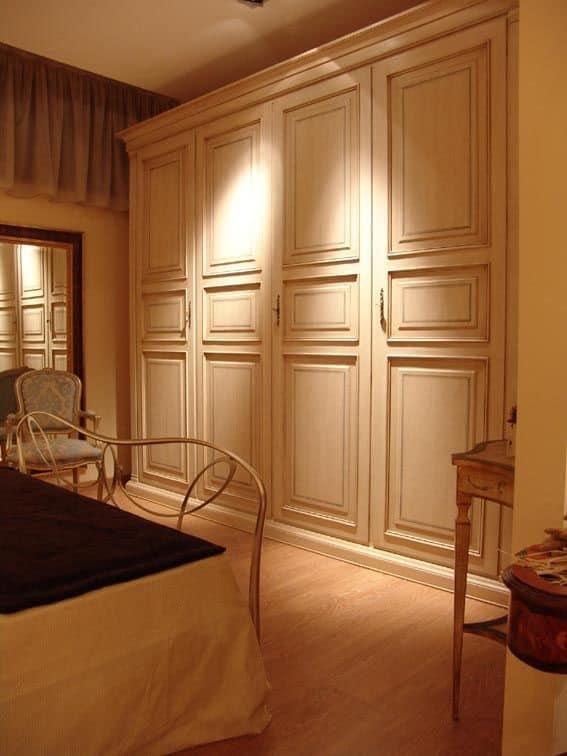 Armadio Classico 4 Ante.Armadio Con 4 Ante Per Hotel E Ville Idfdesign