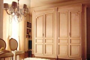 Rinascimento, Armadio classico con 4 ante, laccato con decorazioni