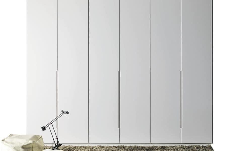 Armadio laccato bianco con apertura a battente | IDFdesign