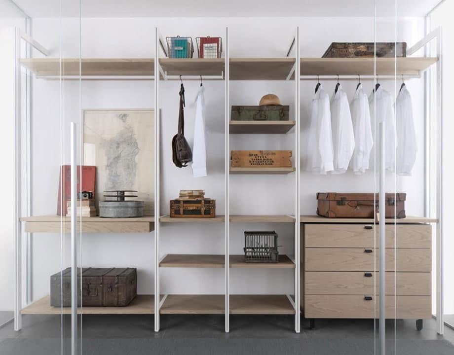 Solo a parete, Arredo per cabine armadio, in legno e metallo, con cassettiere - IDFdesign