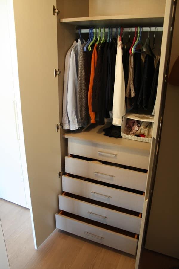 armadio per corridoio in mansarda di sala attilio mobili su misura per ...