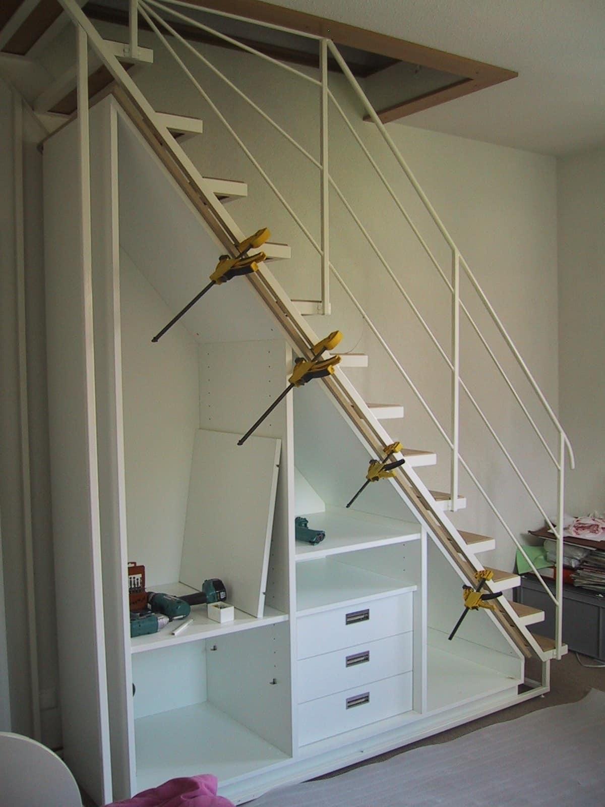 armadio sotto scala realizzato su misura idfdesign. Black Bedroom Furniture Sets. Home Design Ideas