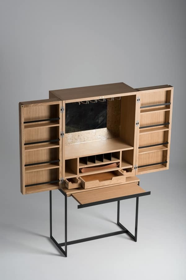 Mobiletto bar in legno con porta bicchieri idfdesign for Arredamento enoteca wine bar