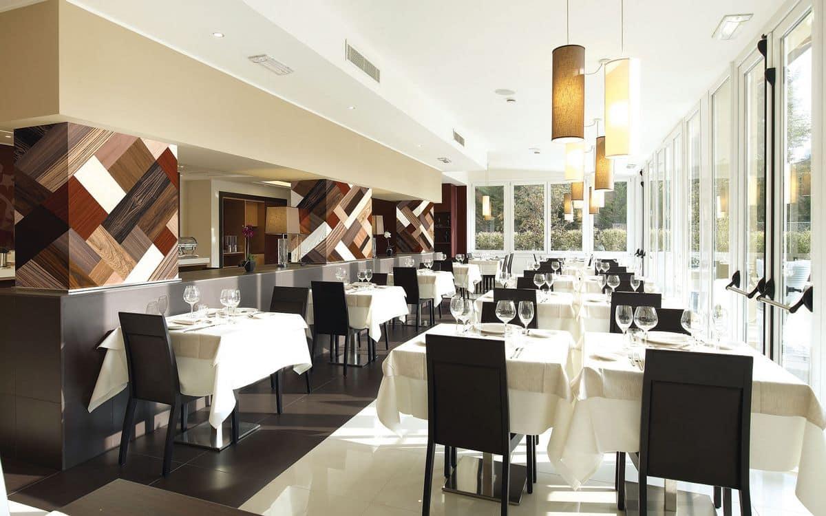 Arredamento su misura per bar ristoranti alberghi for Arredamenti bar ristoranti