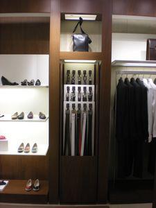 Espositori per negozi a disegno, Elementi espositori in metallo per negozi
