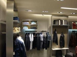 Appenderia su misura per negozi, Realizzazione appenderie con mensole e barre appendiabiti per negozi