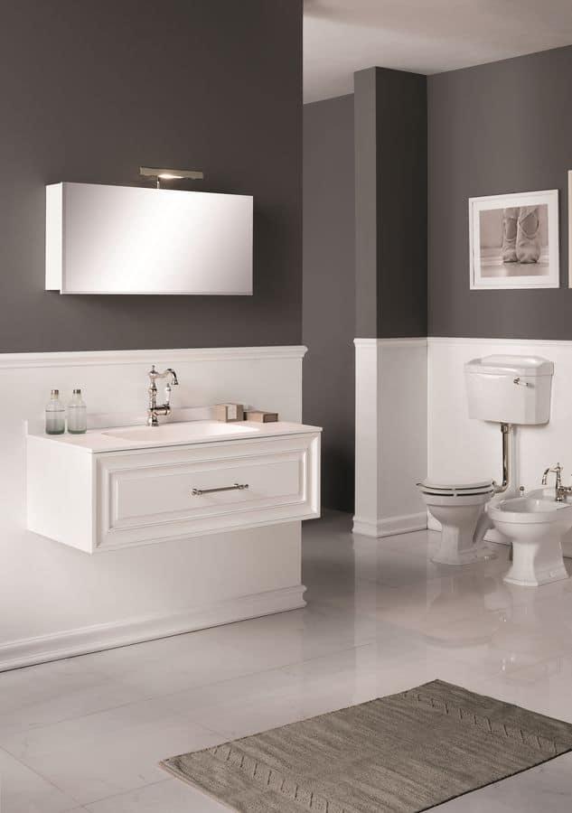 Autoritratto arredo bagno con base sospesa per lavabo for Gaia arredo bagno