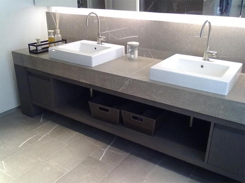 Mobili Bagno Design In Pietra: La funzionalit? poich? il lavabo ? fulcro della stanza da bagno.