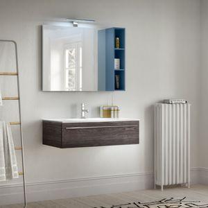 Change comp. 43, Mobile da bagno con venature in effetto legno, per hotel