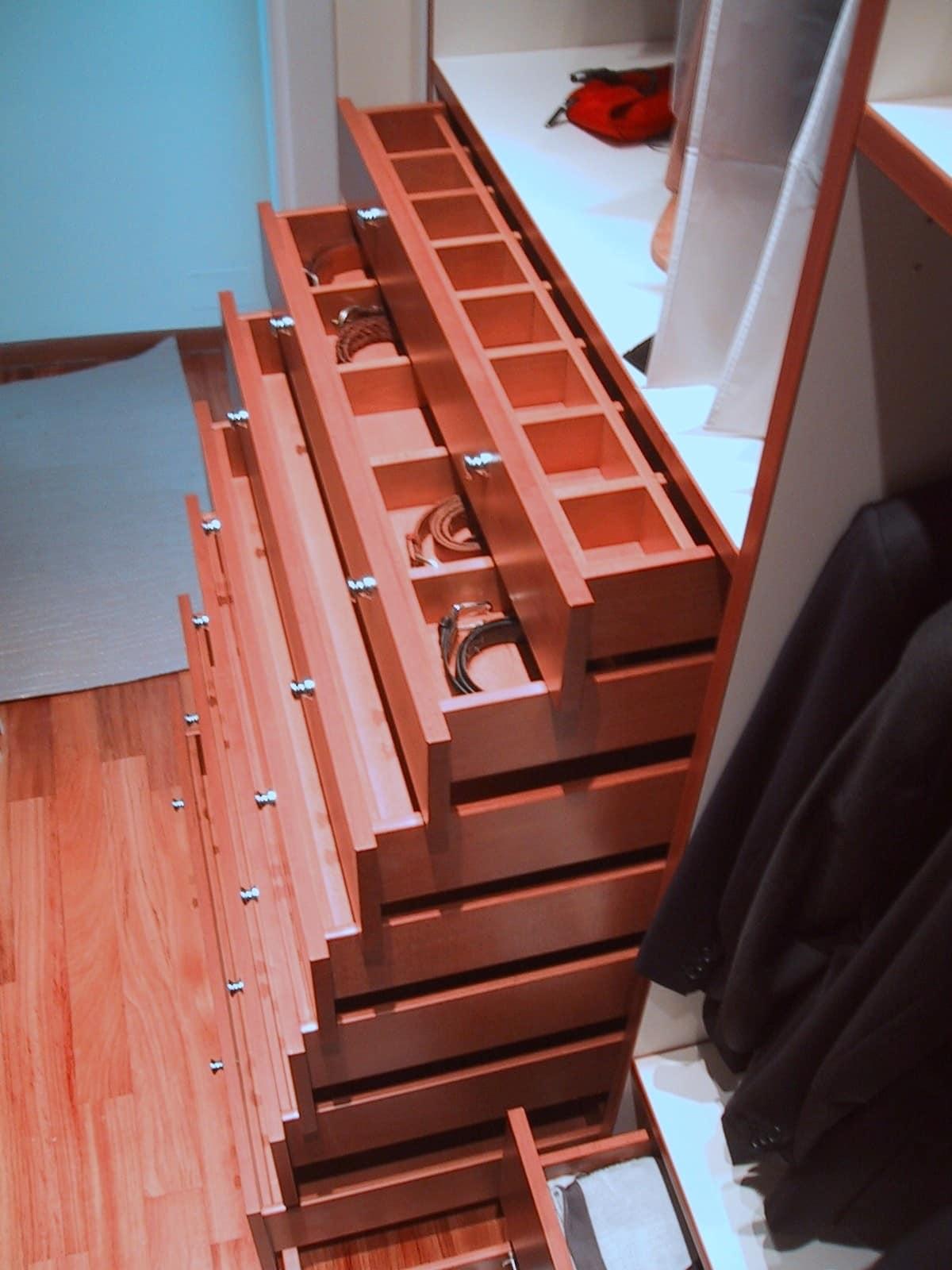 Cabina armadio attrezzata realizzata su misura idfdesign - Cabina armadio su misura ...