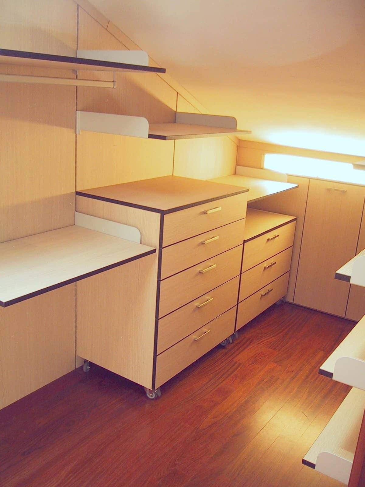 Cabina armadio in mansarda su misura idfdesign for Arredo cabina armadio