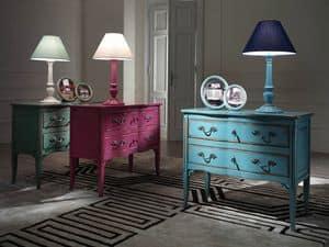 Com a tre cassetti decorazioni eseguite artigianalmente for Mobili colorati design