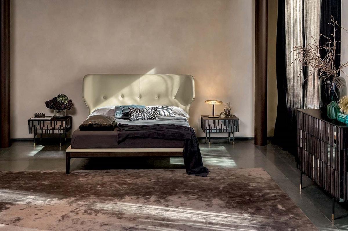 DROPS NIGHT, Programma notte con ante e fianchi effetto specchio e particolari in legno. Base in metallo