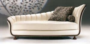 Farfalla, Chaise longue in vera pelle con struttura in legno