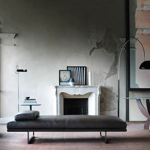 Blumun daybed, Chaise longue in pelle o tessuto