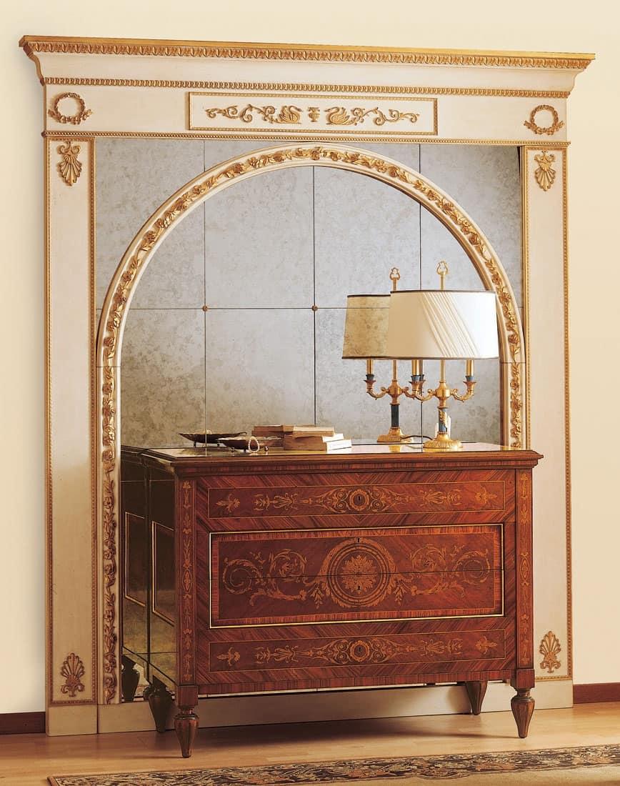 Art. 925, Comò stile antico, cassetti con preziosi intarsi, per camere di lusso