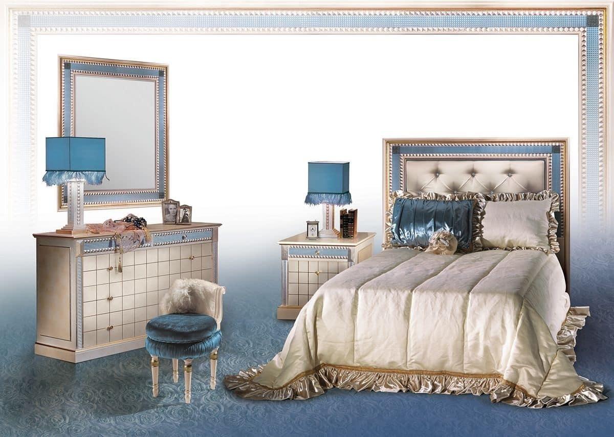 Com classico con specchiera arredo camera di lusso for Design della camera di lusso