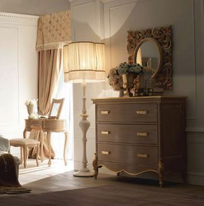 Fru-Fru com�, Com� in stile classico, con decori artigianali
