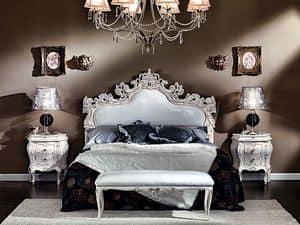 3445 COMODINO, Comodino barocco intagliato a mano, maniglia Swk, hotel