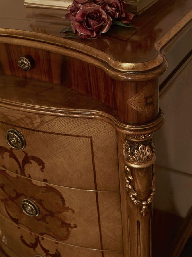 Comodino con 4 cassetti per camere da letto in stile for Design della camera di lusso