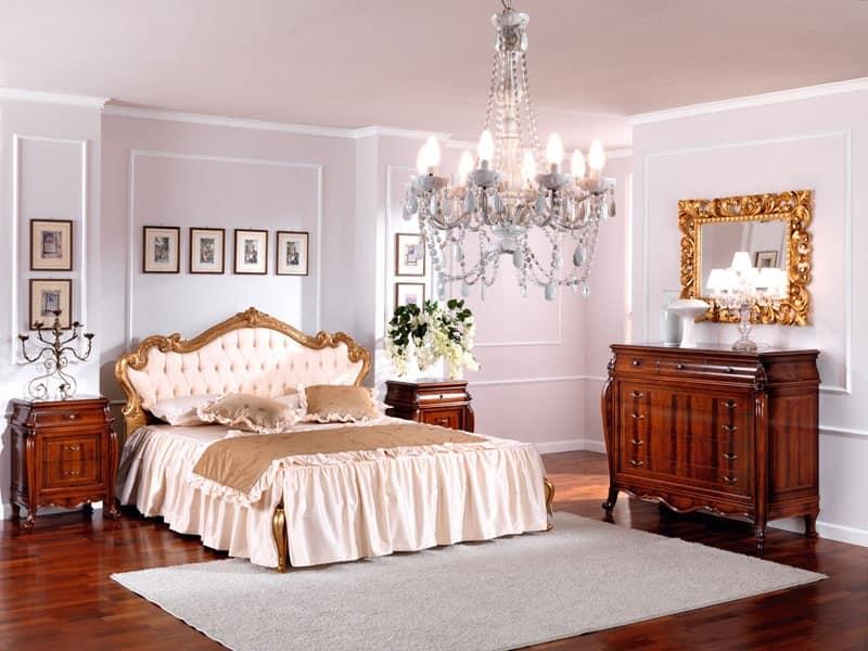 Comodino in legno in stile classico per camera da letto idfdesign - Specchi particolari per camera da letto ...