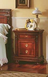 Voltaire comodino, Comodino in solido legno, con intagli, per alberghi
