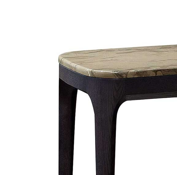 Manda comodino, Comodino in legno con piano in marmo