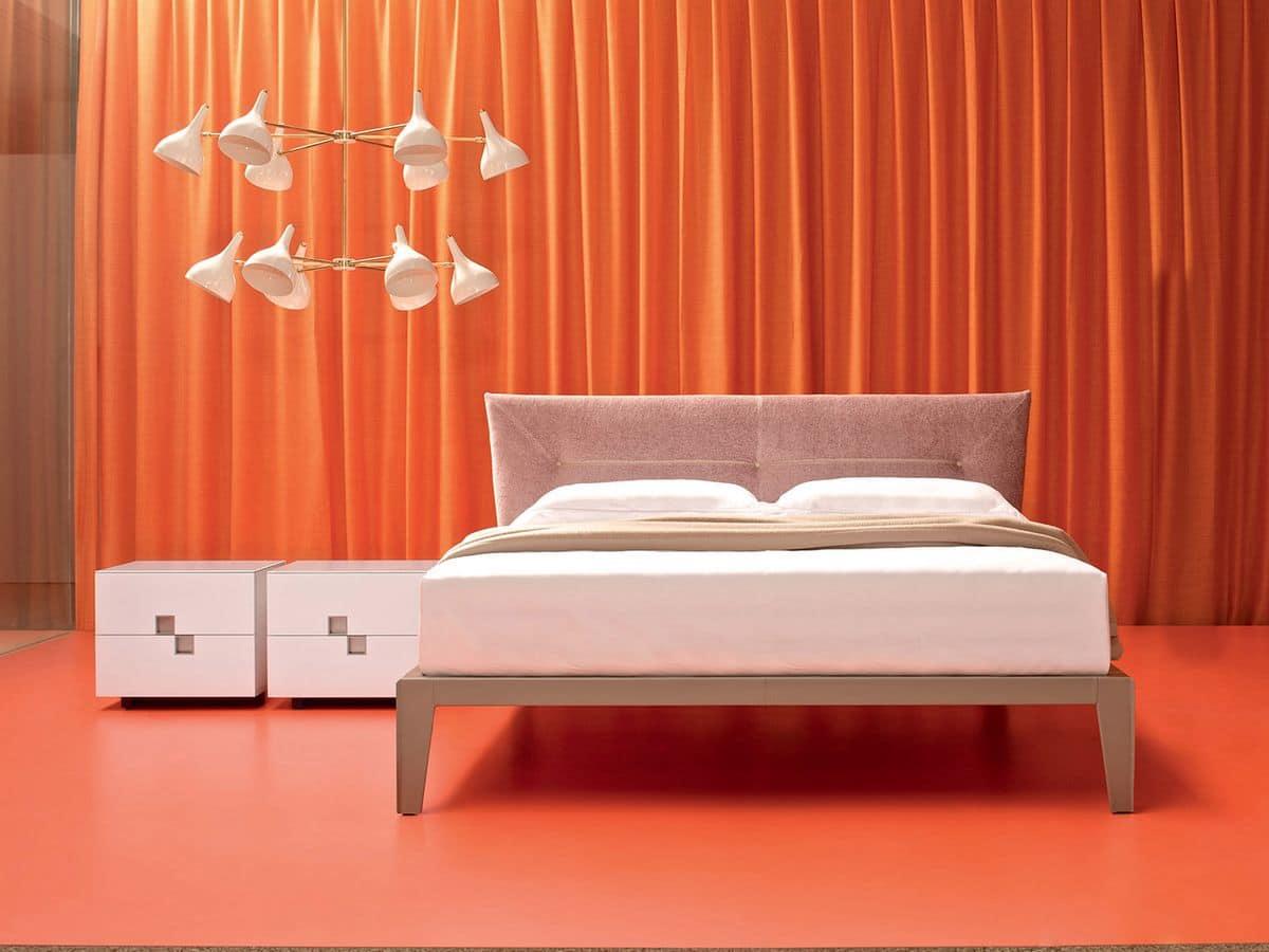 Affordable scrivania per camera da letto gitsupport for - Pipi a letto da adulti ...