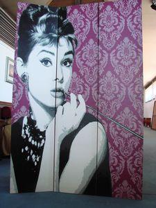 Art. 160, Paravento con raffigurata Audrey Hepburn