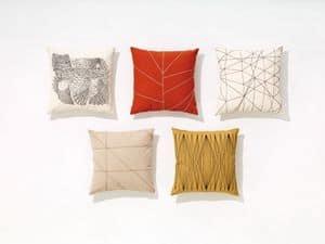 Cuscini, Cuscini con motivi geometrici e naturalistici