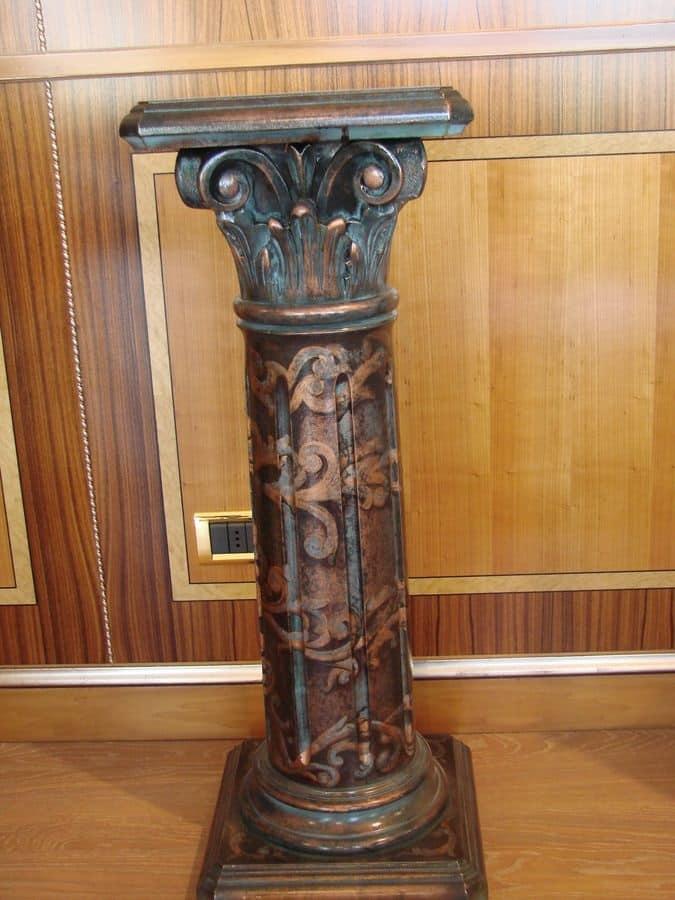 Art. 280, Colonna intagliata per hotel, decorata e laccata