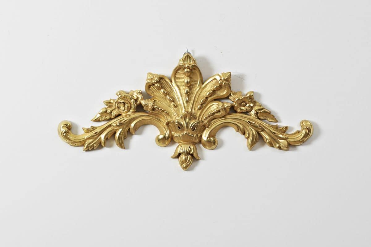 Fregio in legno con motivi floreali per hotel di lusso - Decori in legno per mobili ...