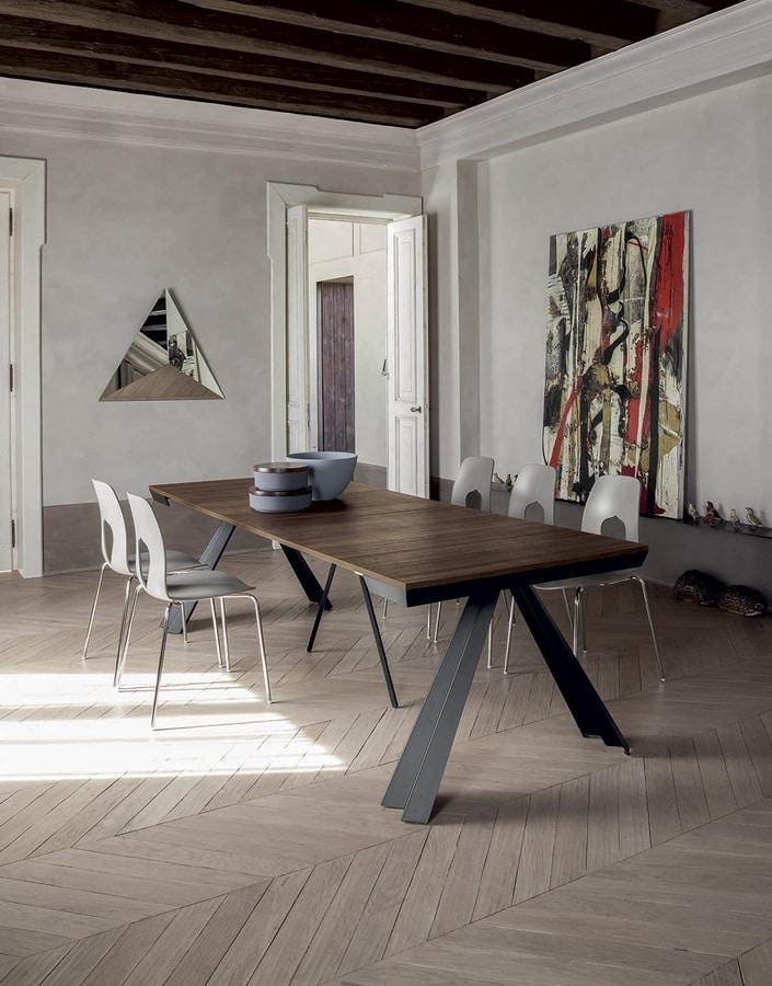 VENTAGLIO  CONSOLLE, Consolle con base in metallo sagomato laccato  e piani effetto legno