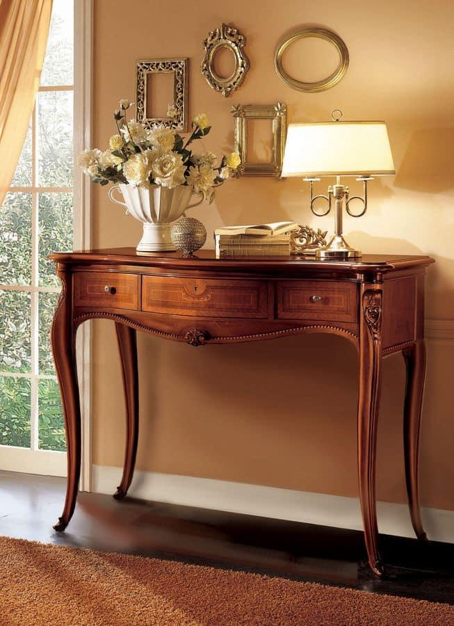Consolle in legno ideale per ambienti classici di lusso for Mobili consolle ingresso classiche