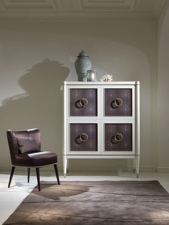 Credenza con 4 porte con maniglie ad anello idfdesign for Galimberti case legno