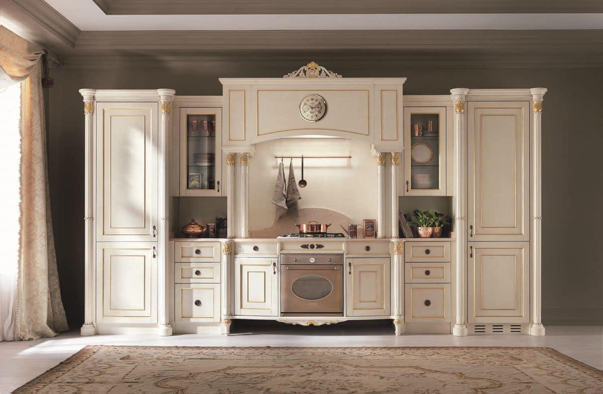 Cucina Venezia laccata, Cucina realizzata completamente in legno, piano in marmo