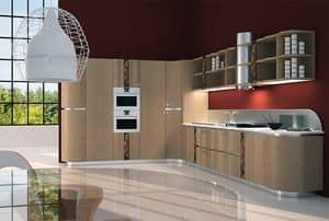 CUC01 Mistral, Cucina elegante e funzionale, con intarsi di legno e metallo