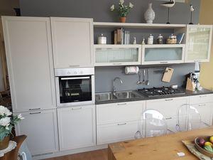 Melograno cucina, Cucina completa di elettrodomestici