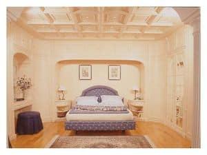 Immagine di Boiserie camera da letto, pareti classiche di lusso